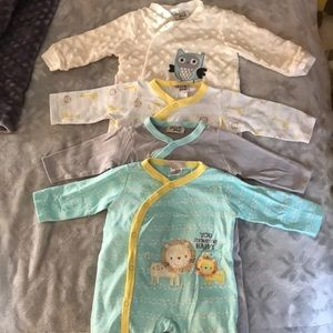 Lot of Baby footed snap-up jumpers/sleepers (4)